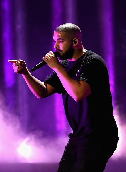 Drake - Entertainer「2016 iHeartRadio Music Festival - Night 1 - Show」:写真・画像(12)[壁紙.com]