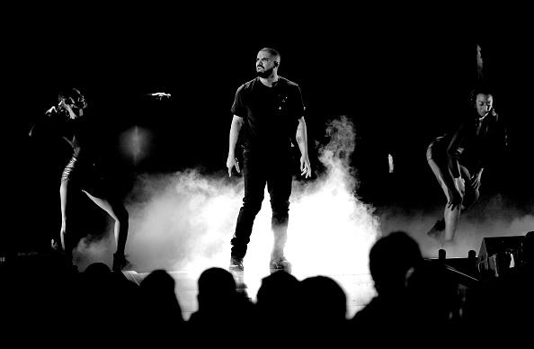 Drake - Entertainer「2016 iHeartRadio Music Festival - Night 1 - Show」:写真・画像(4)[壁紙.com]