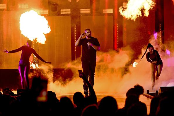 Drake - Entertainer「2016 iHeartRadio Music Festival - Night 1 - Show」:写真・画像(16)[壁紙.com]