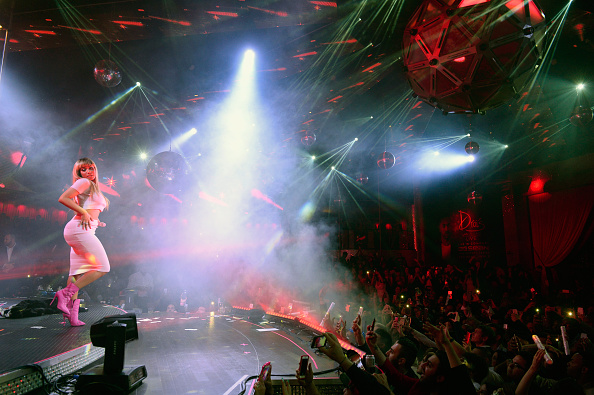 Clubbing「Drai's Nightclub Rings In 2016 With Unforgettable Drai's LIVE Performance By Celebrated Artists Nicki Minaj And Meek Mill - New Year's Eve In Las Vegas」:写真・画像(9)[壁紙.com]