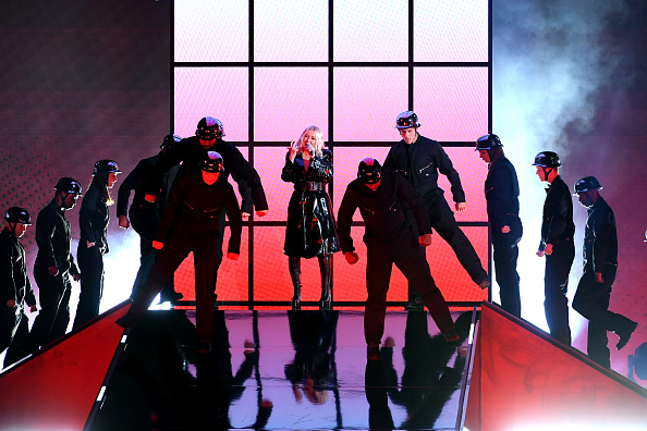 Arts Culture and Entertainment「2018 Billboard Music Awards - Show」:写真・画像(2)[壁紙.com]
