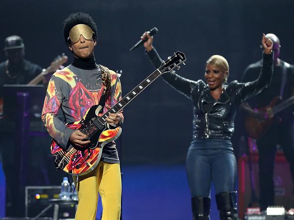 Prince - Musician「2012 iHeartRadio Music Festival - Day 2 - Show」:写真・画像(18)[壁紙.com]