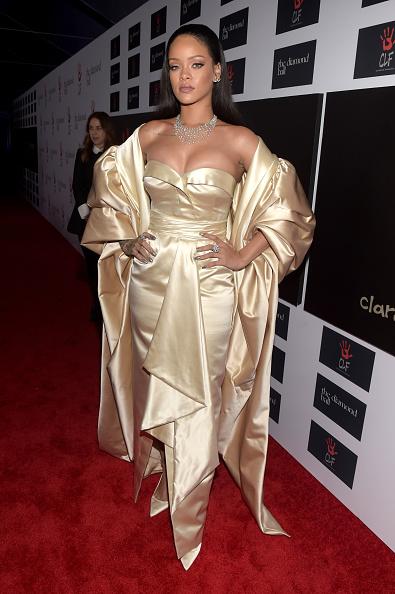 2015年「Rihanna and The Clara Lionel Foundation Host 2nd Annual Diamond Ball - Red Carpet」:写真・画像(19)[壁紙.com]