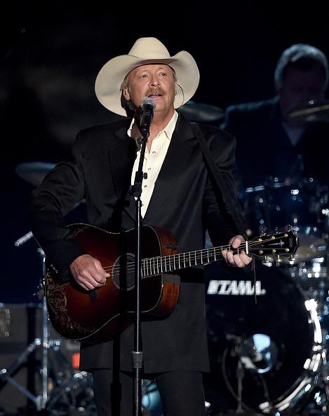 Three Quarter Length「50th Academy Of Country Music Awards - Show」:写真・画像(19)[壁紙.com]