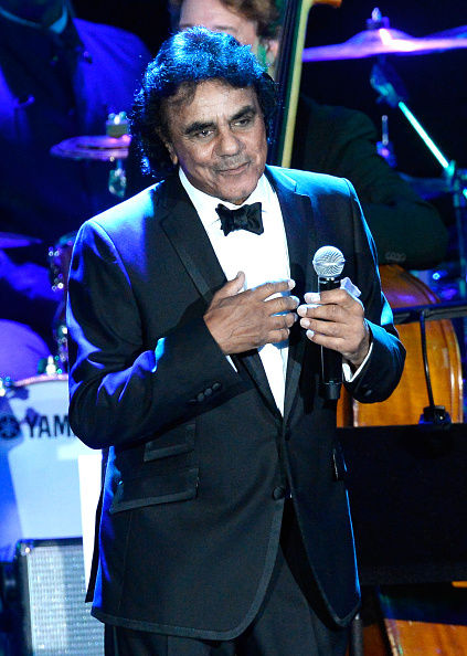Johnny Mathis「The 57th Annual GRAMMY Awards - Pre-GRAMMY Gala And Salute To Industry Icons Honoring Martin Bandier - Show」:写真・画像(12)[壁紙.com]