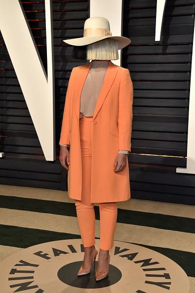 ちりめん生地「2017 Vanity Fair Oscar Party Hosted By Graydon Carter - Arrivals」:写真・画像(11)[壁紙.com]