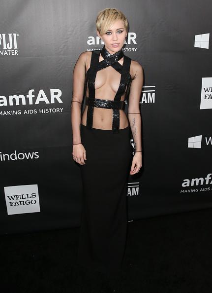 ショートヘア「FIJI Water At amfAR's Inspiration LA Gala」:写真・画像(13)[壁紙.com]