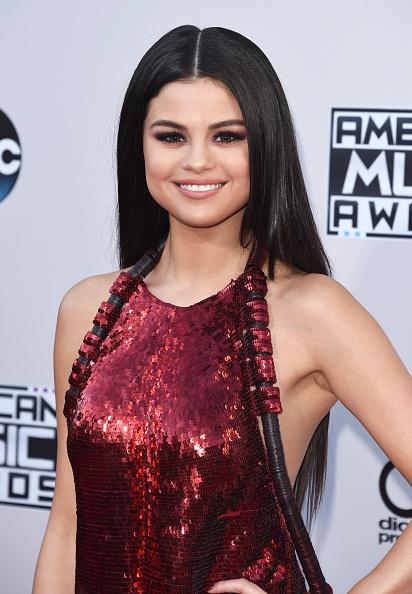 Selena Gomez「2015 American Music Awards - Arrivals」:写真・画像(19)[壁紙.com]