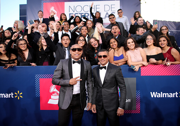T 「The 17th Annual Latin Grammy Awards - Red Carpet」:写真・画像(17)[壁紙.com]