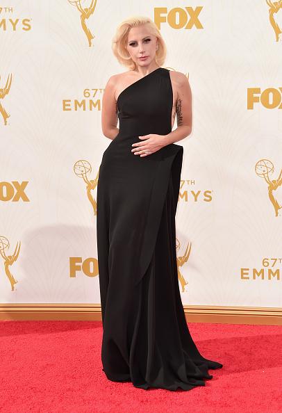 エミー賞「TNT LA - 67th Emmy Awards - Red Carpet」:写真・画像(16)[壁紙.com]