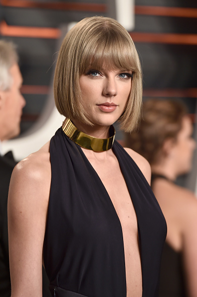 Taylor Swift「2016 Vanity Fair Oscar Party Hosted By Graydon Carter - Arrivals」:写真・画像(4)[壁紙.com]