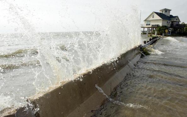 Galveston - Texas「Texas Gulf Coast Prepares For Hurricane Ike」:写真・画像(6)[壁紙.com]