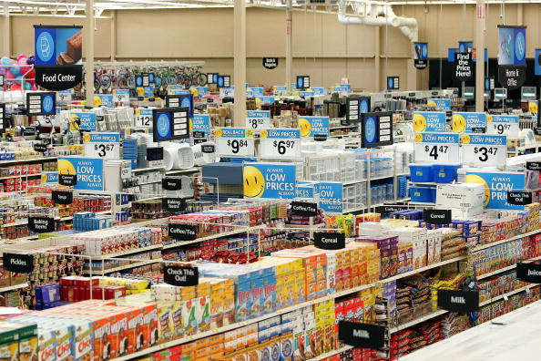 Wal-mart「Wal-Mart Opens New Store Just Outside Chicago」:写真・画像(12)[壁紙.com]