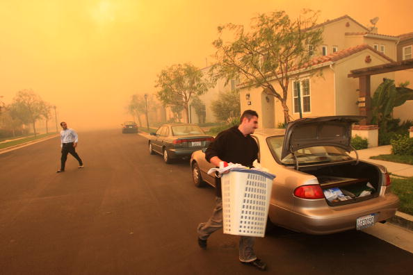 Bestof「Santa Ana Winds Aggravate Wildfires」:写真・画像(1)[壁紙.com]