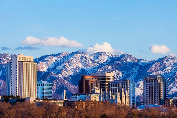 Salt Lake City Skyline in Early Spring with Copy Space:スマホ壁紙(壁紙.com)