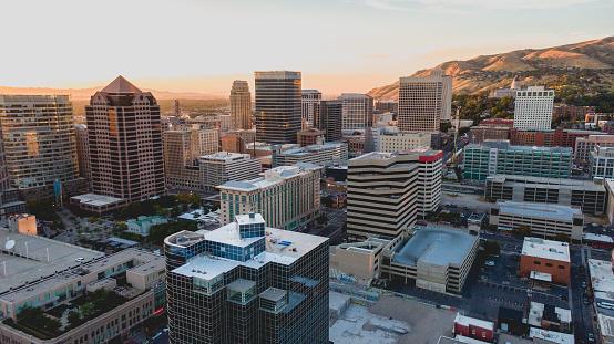 Utah「Salt Lake City Aerial View at Sunset」:スマホ壁紙(1)
