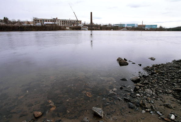 Environmental Cleanup「Hudson River Clean Up」:写真・画像(1)[壁紙.com]