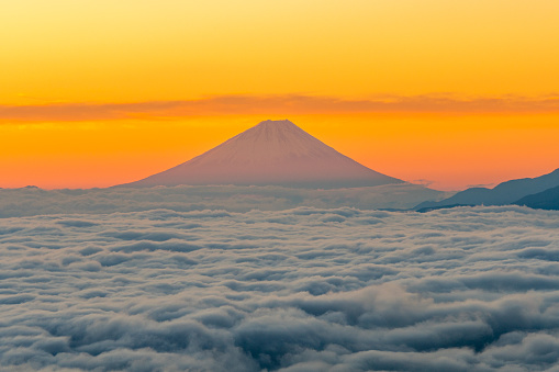 UNESCO World Heritage Site「Mt.Fuji and Seacloud at early morning」:スマホ壁紙(0)