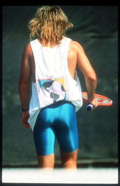 Shorts「Tennis Player Andre Agassi Holds A Racket November 15 1991 In USA Agassi Made His Prese」:写真・画像(3)[壁紙.com]