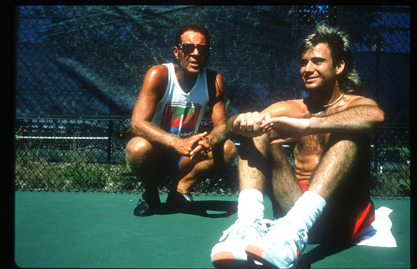 Practicing「Tennis Player Andre Agassi Sits With His Coach Nick Bollettieri November 15 1990 In usa」:写真・画像(6)[壁紙.com]