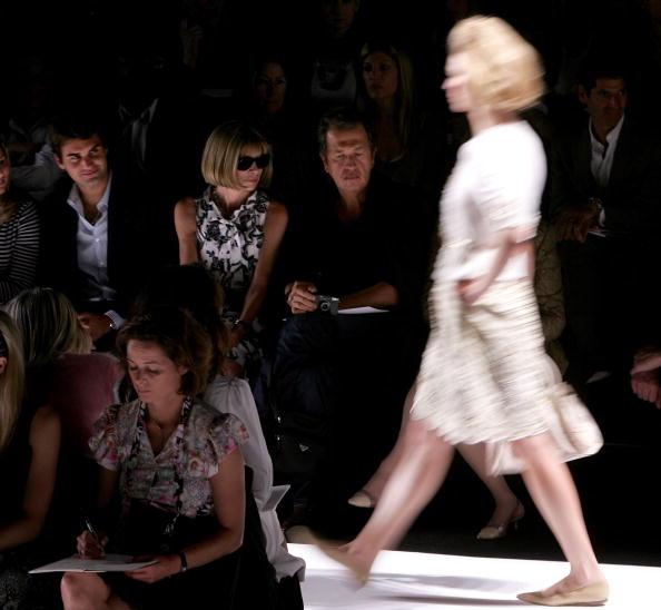 In A Row「Oscar De La Renta Spring 2007 - Front Row」:写真・画像(9)[壁紙.com]