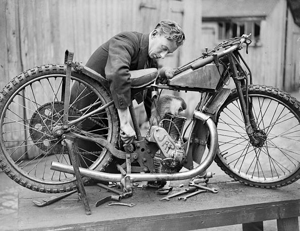 キャラクター「Bike Mechanic」:写真・画像(12)[壁紙.com]