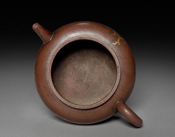 Teapot「Teapot With Gold Leaf Landscape And Imperial Poem」:写真・画像(4)[壁紙.com]