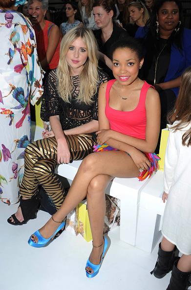 Stuart C「Celebrities On The Front Row at London Fashion Week Spring/Summer 2012」:写真・画像(4)[壁紙.com]