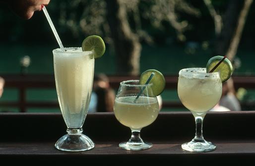 1990-1999「Three Margaritas」:スマホ壁紙(5)