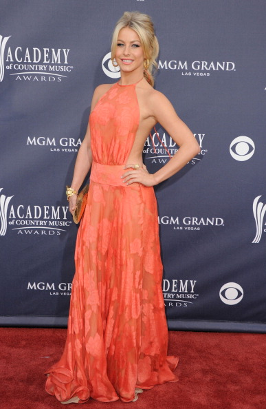 Halter Top「46th Annual Academy Of Country Music Awards - Arrivals」:写真・画像(18)[壁紙.com]