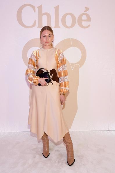 Monogram「Chloe : Front Row - Paris Fashion Week Womenswear Fall/Winter 2019/2020」:写真・画像(16)[壁紙.com]