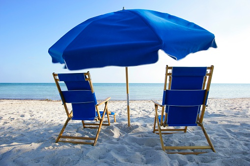 Outdoor Chair「Beach Chairs and Umbrella」:スマホ壁紙(19)