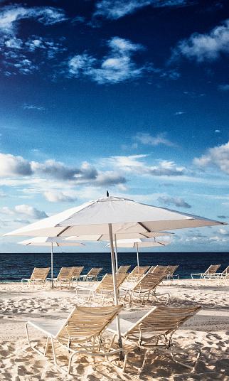 ビーチ「バハマの砂のビーチチェア」:スマホ壁紙(0)