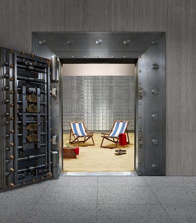Vaulted Door「Beach chairs in bank vault」:スマホ壁紙(18)