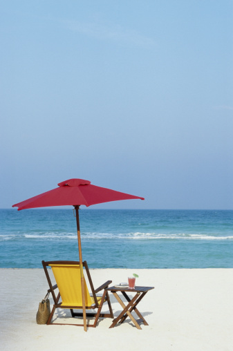 Miami Beach「Beach chair, umbrella, and table with drink on beach, rear view」:スマホ壁紙(17)