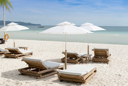 Beach Umbrella「Beach Chairs, White Beach, Boracay, Philippines」:スマホ壁紙(19)