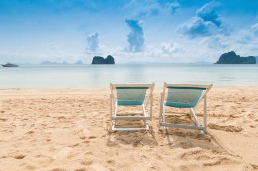 Caribbean Culture「Beach chairs on perfect tropical white sand」:スマホ壁紙(13)