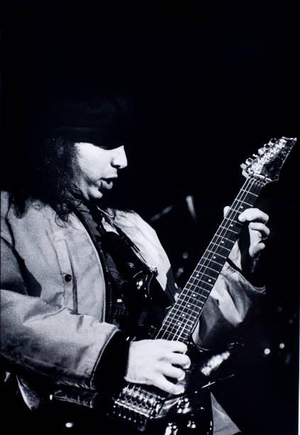 Joe Satriani:ニュース(壁紙.com)