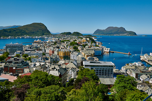 """Aksla「View from Aksla hill over Alesund, """"Byrampen Viewpoint""""」:スマホ壁紙(10)"""