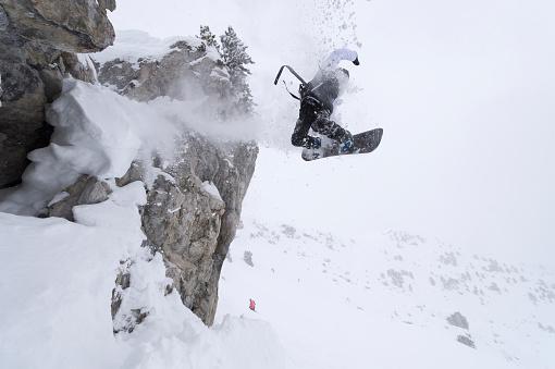 スノーボード「Snowboarding in powder snow; St. Moritz, Switzerland」:スマホ壁紙(12)