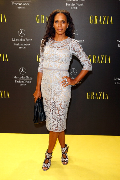 Gray Dress「Opening Night by Grazia Arrivals - Mercedes-Benz Fashion Week Spring/Summer 2015」:写真・画像(9)[壁紙.com]