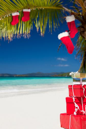 Island「Christmas at a Caribbean beach」:スマホ壁紙(6)