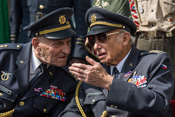 70th Anniversary「Ceremony Is Held To Honour Czechoslovak Airmen Who Fought With RAF In WWII」:写真・画像(15)[壁紙.com]