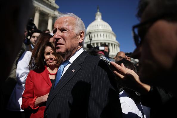 Alex Wong「Joe Biden Joins House Democrats At Event Marking 7-Year Anniversary Of ACA」:写真・画像(1)[壁紙.com]