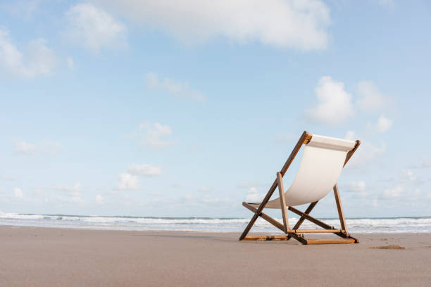 Deckchair on the beach:スマホ壁紙(壁紙.com)