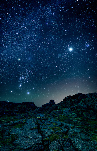 Volcano「Milky Way and stars in the night sky.」:スマホ壁紙(17)