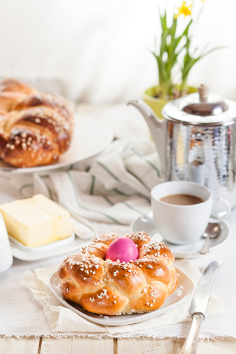 Easter「Braided Easter bread with pink egg, daffodil, coffee and butter」:スマホ壁紙(0)
