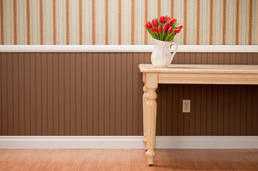 チューリップ「赤いチューリップのダイニングテーブル」:スマホ壁紙(16)