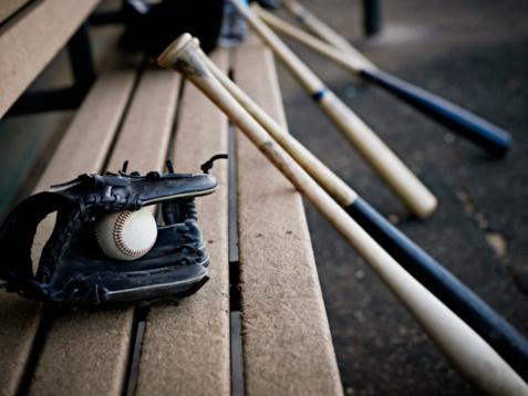 Baseball「Baseball glove with ball and bats in dugout」:スマホ壁紙(6)