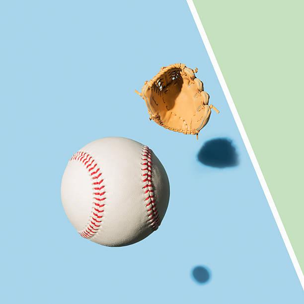 Baseball Glove and Baseball Ball:スマホ壁紙(壁紙.com)